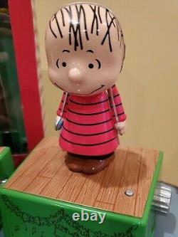 2017 Hallmark Christmas Dance Party Peanuts Snoopy Lights Charlie Brown Set 8