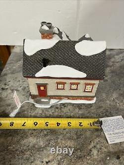 DEPT 56 PEANUTS House Gift Set Snoopy Lucy Charlie Brown Christmas Lane NEW