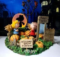 DEPT 56 Peanuts Halloween IT'S THE GREAT PUMPKIN! Snoopy, LInus, Charlie Brown