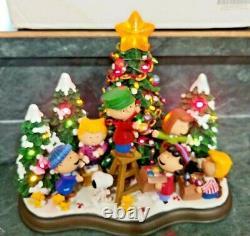 Danbury Mint Christmas Time is here Peanuts Gang Charlie Brown Snoopy Woodstock