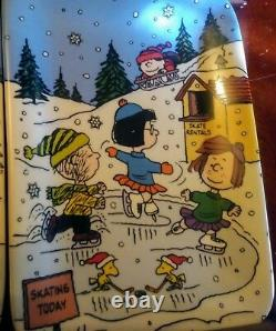 Danbury Mint Christmas with Charlie Brown Peanuts Snoopy