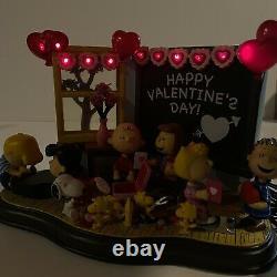 Danbury Mint PEANUTS BE MY VALENTINE! Lighted Valentine's Day Sculpture Read