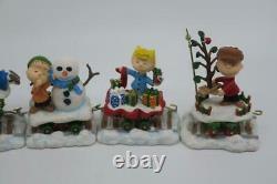 Danbury Mint PEANUTS Christmas Train 5 Pc Snoopy Charlie Brown Lucy Woodstock