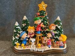 Danbury Mint Peanuts Charlie Brown Christmas Time is Here! Lighted Sculpture