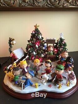 Danbury Mint Peanuts Christmas Skating Charlie Brown Snoopy Lights Up Mint