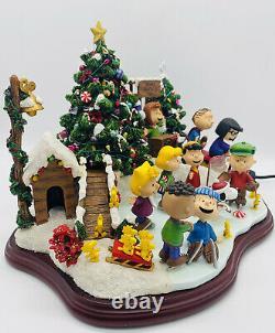 Danbury Mint Peanuts Christmas Skating Party Snoopy Charlie Brown Sculpture COA