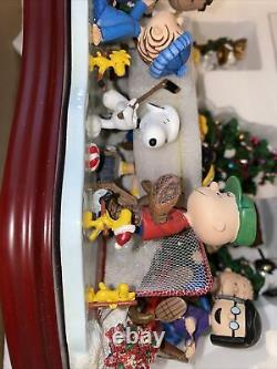 Danbury Mint Peanuts Christmas Skating Party Snoopy Charlie Brown Sculpture RARE