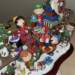 Danbury Mint Peanuts Christmas Sleigh Snoopy Charlie Brown Holiday Figurine ExCd