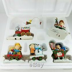 Danbury Mint Peanuts Christmas Train Sculpture 5 Piece Set Snoopy Charlie Brown