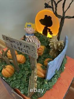 Dept 56 Peanuts Halloween ITS THE GREAT PUMPKIN Snoopy Charlie Brown #59095