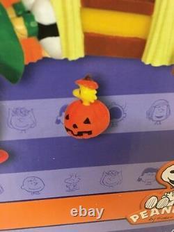 Dept 56 Peanuts Snoopy Halloween Party Charlie Brown NIB Lucy Woodstock Pumpkin