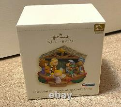 Hallmark That's What Christmas Is About Charlie Brown Peanuts Nativity Music Box