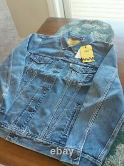 Levi's Trucker Jacket Peanuts Charles Schulz Snoopy Charlie Brown Brand New