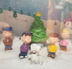 PEANUTS Charlie Brown Christmas Retro TV Television Music Lights Snoopy WORKS