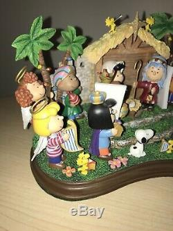 PEANUTS Danbury Mint Christmas Nativity Figurine Snoopy Charlie Brown Excellent