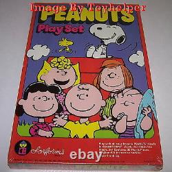 Peanuts Charlie Brown Snoopy Colorforms No. 761 Toy Play Set Sealed Vintage