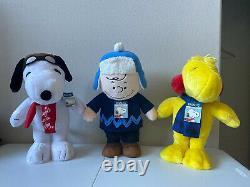Peanuts Charlie Brown Snoopy Woodstock Holiday Christmas Greeters Plush 18-20
