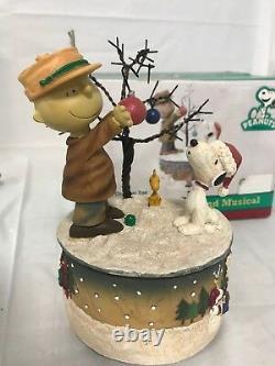 Peanuts Charlie Brown Snoopy & Woodstock Weihnachten Musikalischer Gehäuse Roman