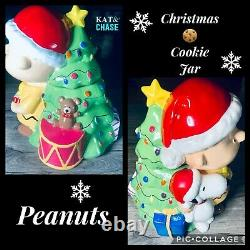 Peanuts Charlie Brown and Snoopy Cookie Jar Snack Christmas Rare Gibson