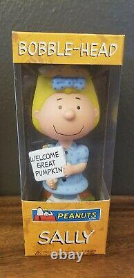 Peanuts Halloween Funko Wacky Wobblers Snoopy/Sally/Lucy/Charlie Brown New