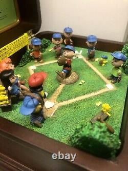 Play Ball Charlie Brown Danbury Mint Peanuts Music Box Baseball Snoopy