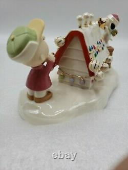 RARE Lenox 2006 Snoopy's Christmas Celebration Music Box with Charlie Brown 8