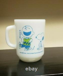 Rare Fire King Anchor Hocking Snoopy Schulz Charlie Brown Milk Glass Mug