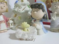 Snoopy Peanuts Charlie Brown Lenox Fine China Christmas Pageant Set 2007
