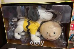 Snoopy sdcc 2019 real size super 7 really big! New! Open box! Peanuts
