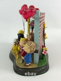 The Danbury Mint PEANUTS Happy Valentines Day! Lighted Charlie Brown Sculpture