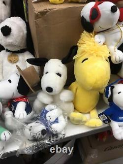 VTG & Modern LOT 49 Peanuts Snoopy Belle Woodstock Charlie Brown Plush Lot Used