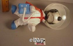 Vintage 1969 Snoopy Astronaut 10 plastic action figure Peanuts Gang Apollo ADP