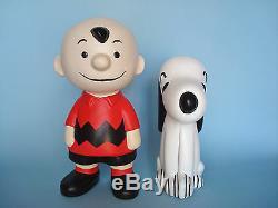 Vintage CHARLIE BROWN & SNOOPY Ceramic Figures 9 1/4 & 7 1/4 Respectively