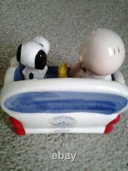 WILLITTS 1990 SNOOPY & CHARLIE BROWN on Couch 40th ANNIVERSARY MUSIC BOX FIGURE