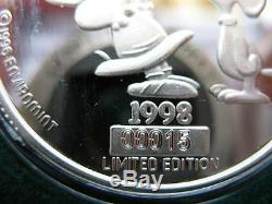 1-oz 999 Argent Peanuts Gang Charlie Brown Lucy Et Snoopy Baiser Smack Pièce D'or +