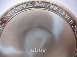 1-oz. 999 Silver Peanuts Gang Charlie Brown Snoopy Hi Five Football Coin+or