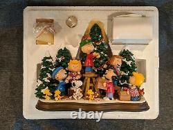 Danbury Mint Peanuts Charlie Brown Le Temps De Noël Est Arrivé! Sculpture Allumée
