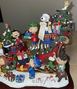 Danbury Mint Peanuts Christmas Sleigh Snoopy Charlie Brown Figurine De Vacances Excd