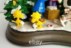 Danbury Mint Temps De Noël Est ICI Cacahuètes Charlie Brown Arbre Lumière Décor