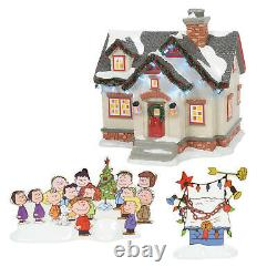 Dept 56 Christmas Snow Village Peanuts House Snoopy Charlie Brown 2021 6007629