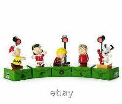 Hallmark 2017 Peanuts Christmas Dance Party Charlie Brown Lucy Snoopy Linus Nouveau