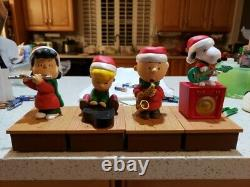 Hallmark Peanuts Christmas Wireless Band Set Charlie Brown, Lucy, Snoopy Excelle