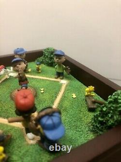 Jouer Ball Charlie Brown Danbury Mint Peanuts Boîte À Musique Snoopy Baseball Snoopy