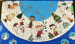 Peanuts A Charlie Brown Christmas Tree Skirt Nappe 2 Panneaux Couture Snoopy
