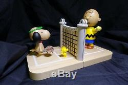 Peanuts Snoopy & Charlie Brown Tennis Bookends Peanuts Collection Jouets Cadeaux