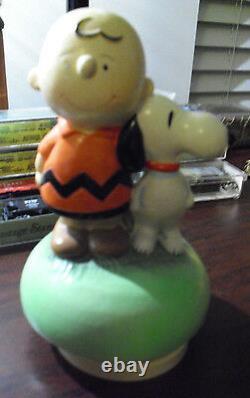 Rare Vintage 1968 Céramique Schmid Charlie Brown Snoopy Peanuts Boîte À Musique
