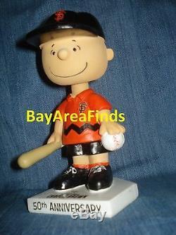San Francisco Giants Peanuts Charlie Brown Bobblehead & Snoopy Snow Globe Sf
