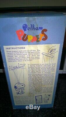 Vintage Pelham Puppet Snoopy Peanuts Charlie Brown Marionette Puppet Boxed